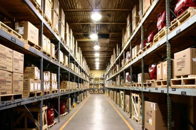 Depo ve antrepo temizliği şirketi; Depo ve Antrepolar bazen fabrika içlerinde veya bazende ayrı bir alanda örneğin lojistik firmalarının ürünleri saklayabilme adına kullandıkları alandır. Depo ve Antrepo temizliği bu ürünlerin sağlıklı bir şekilde korunabilmesi adına önemlidir.